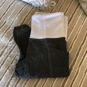 Size XXS Athleta Blocked White/Gray Leggings